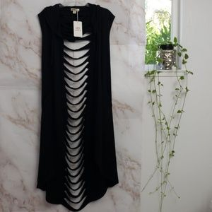 Long hoodied vest with pockets!